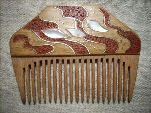 инкрустация деревянного гребня - готовый гребень