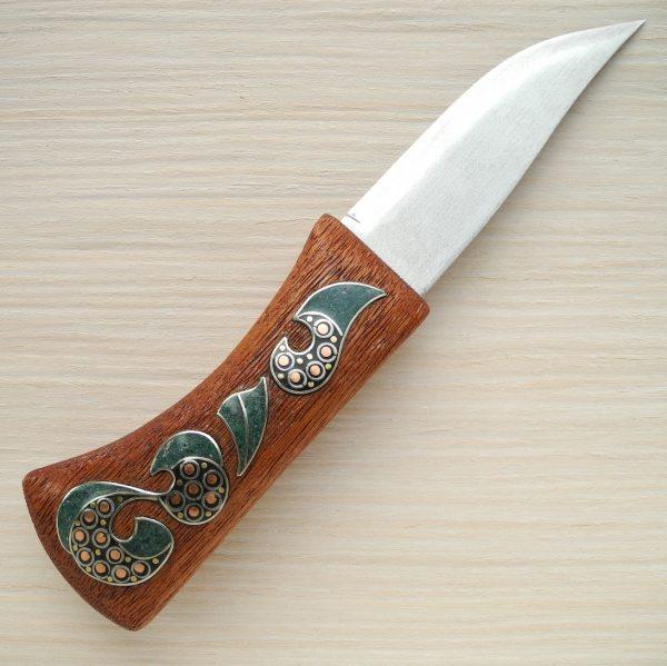 нож с инкрустацией малахитом