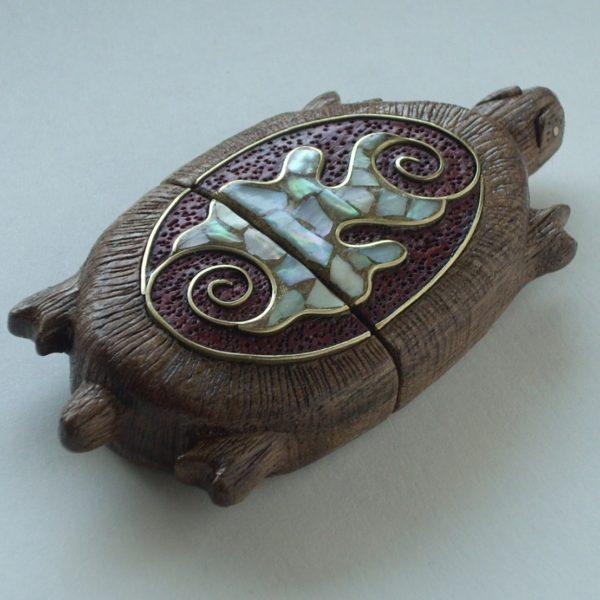 флешка черепаха вид сбоку