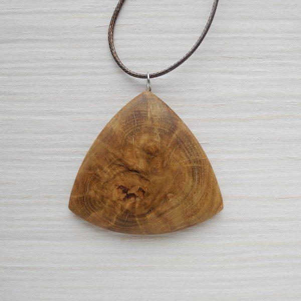 Деревянный кулон из дуба из дуба