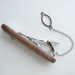зажим для галстука из грецкого ореха с агатом ракурс 2