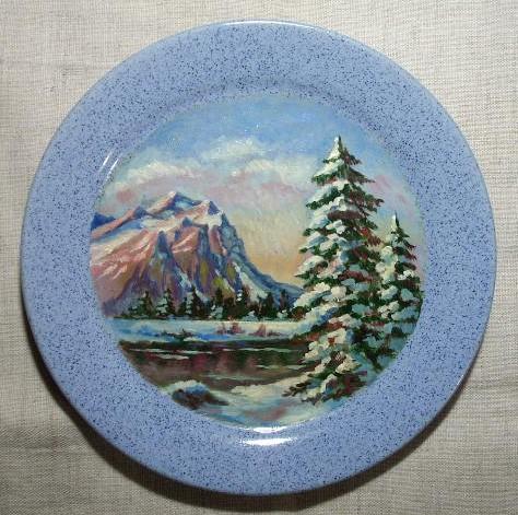 декоративная тарелка с горным пейзажем