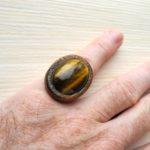 кольцо безразмерное с тигровым глазом ракурс 1