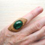 кольцо безразмерное с малахитом ракурс 1