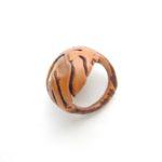 кольцо из косточки нектарина с перламутром ракурс 3