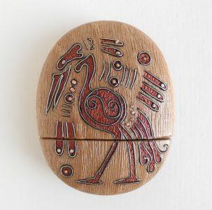 деревянная флешка с инкрустацией